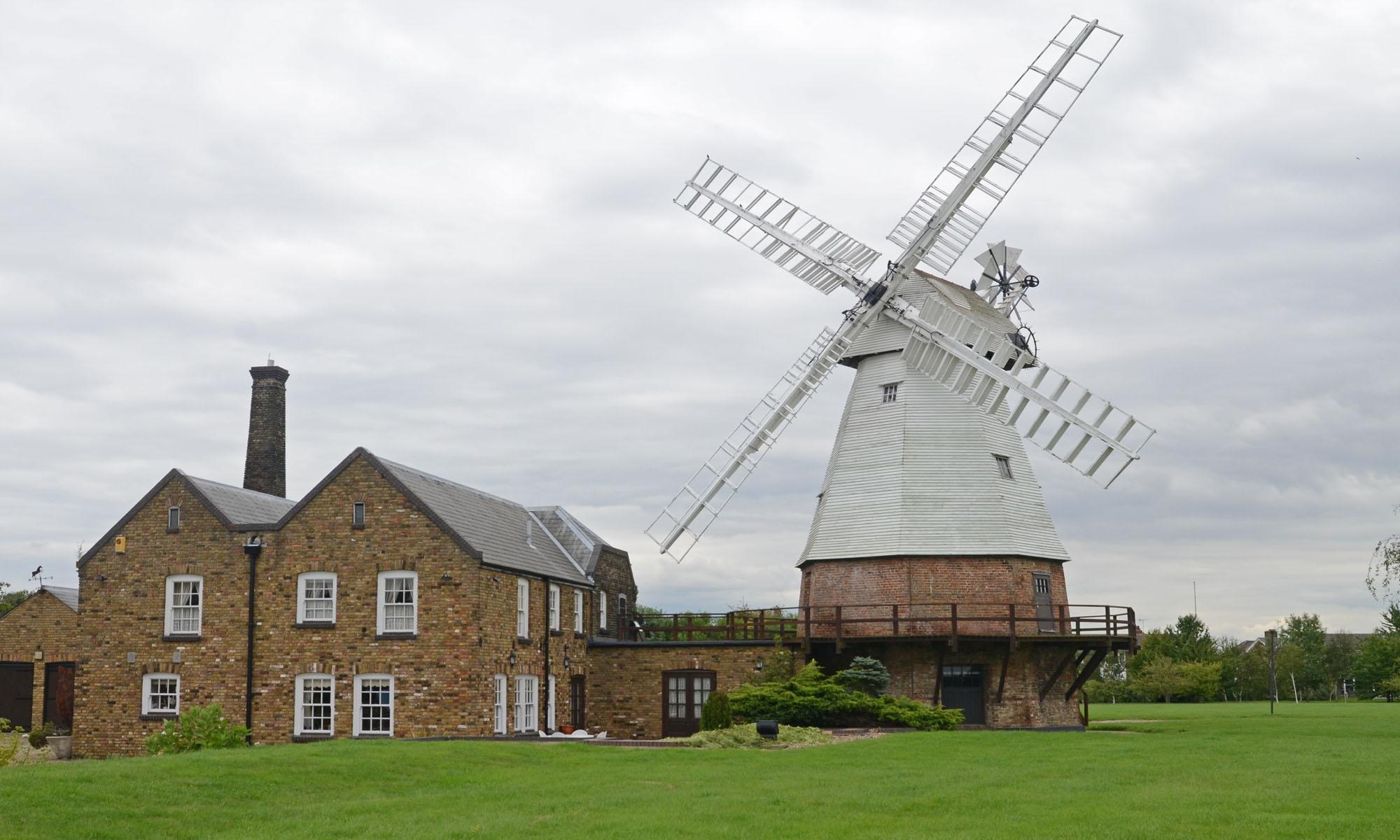orsett windmill - Roger Slade